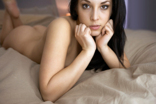 hot woman dating online